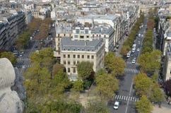 Strada affollata a Parigi Immagine Stock Libera da Diritti