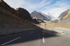 Strada al ghiacciaio di Pasu nel Pakistan del Nord Fotografie Stock Libere da Diritti