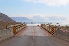 Strada alla spiaggia sul litorale perso della California Fotografie Stock