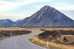 Strada alle alpi del sud, Nuova Zelanda Fotografia Stock