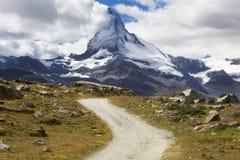 Strada, alpi svizzere, il Cervino Immagine Stock Libera da Diritti