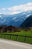Strada alpina della valle Fotografia Stock