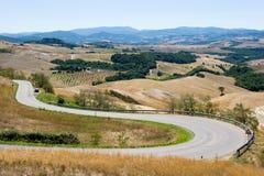 Strada attraverso la Toscana in Italia fotografia stock libera da diritti