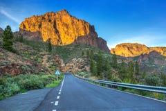 Strada attraverso le montagne di Gran Canaria Fotografie Stock Libere da Diritti