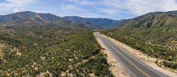 Strada California della strada principale del deserto del Mojave Fotografia Stock Libera da Diritti