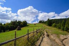Strada campestre in campagna rurale Immagine Stock