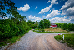 Strada campestre della sporcizia vicino a Glenville, nella contea di York, la Pensilvania Fotografia Stock Libera da Diritti