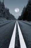 Strada campestre e luna piena Immagine Stock Libera da Diritti
