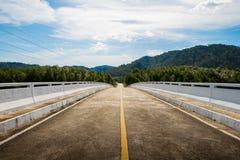 Strada con cielo blu Fotografia Stock
