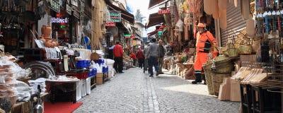 Strada con i negozi dal grande bazar a Costantinopoli Fotografie Stock Libere da Diritti