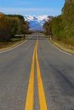 Strada con il Mountain View Immagine Stock