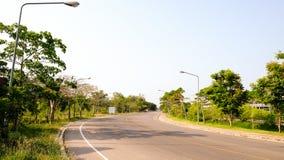 Strada con luce solare in Phetchaburi Tailandia Fotografia Stock