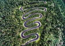 Strada Curvy dal passaggio di alta montagna in Transfagarasan, Romania Fotografie Stock Libere da Diritti