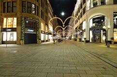Strada dei negozi di lusso nella città di Amburgo Fotografia Stock