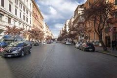 Strada dei negozi elegante via Cola di Rienzo a Roma fotografia stock