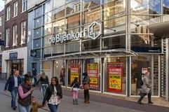 Strada dei negozi nel centro urbano di Arnhem, Paesi Bassi Immagini Stock Libere da Diritti