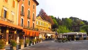 Strada dei negozi nella città di Bellagio Fotografie Stock Libere da Diritti