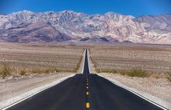 Strada del parco nazionale di Death Valley Fotografie Stock