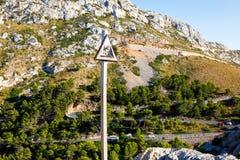 Strada del Sa Calobra, una delle strade più sceniche, più pericolose e spettacolari nel mondo, famoso per i giri di fino a 360 Immagine Stock Libera da Diritti