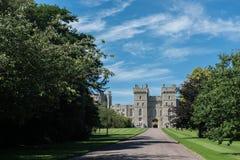 Strada dell'entrata che conduce a Windsor Castle Fotografie Stock Libere da Diritti