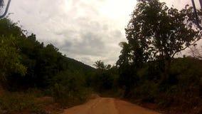 Strada della giungla di Koh Phangan, Tailandia archivi video