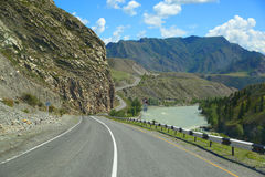 Strada della montagna in Altai Immagine Stock