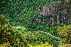 Strada della montagna da sopra Immagine Stock