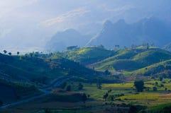 Strada della montagna del paese a Nan Tailandia Fotografie Stock
