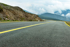 Strada della montagna di elevata altitudine Immagini Stock