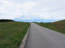 Strada della montagna di estate nelle dolomia Alpe di Siusi, Tirolo del sud - Italia Fotografia Stock Libera da Diritti