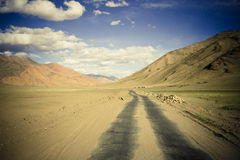 Strada della montagna in Himalaya. fotografia stock libera da diritti