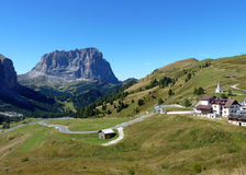 Strada della montagna nelle alpi italiane Fotografia Stock Libera da Diritti