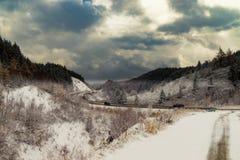 Strada della montagna Prima neve Fotografia Stock Libera da Diritti