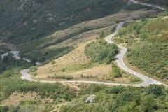 Strada della montagna in valle di Saliencia Immagini Stock
