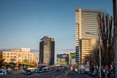Strada della torre e di Pipera di Globalworth a Bucarest Immagini Stock