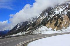 Strada delle alte montagne Immagine Stock