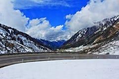 Strada delle alte montagne Fotografie Stock