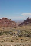 Strada di bobina in canyon macchiato del lupo Immagine Stock