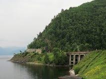 Strada di Circum Baikal - la parte storica del railw del siberiano del trasporto fotografie stock libere da diritti