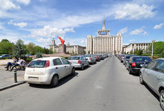 Strada di città quadrata immagini stock