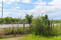 Strada di ferrovia dietro il recintare Cote San-LU Fotografia Stock