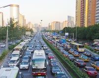 Strada di grande traffico Pechino di PECHINO Fotografie Stock