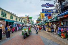 Strada di Khao San a Bangkok, Tailandia Fotografia Stock Libera da Diritti