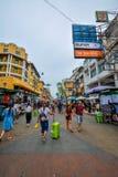 Strada di Khao San a Bangkok, Tailandia Fotografie Stock Libere da Diritti