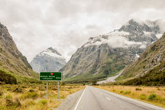 Strada di Milford, isola del sud, Nuova Zelanda Immagini Stock