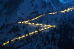Strada di notte in montagne Fotografia Stock