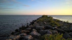 Strada di pietra al mare Immagine Stock