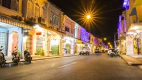 Strada di Thalang, la vecchia città di phuket, Tailandia fotografie stock libere da diritti