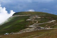 Strada di Transalpina, alpi di Transylvanian, Romania Immagine Stock