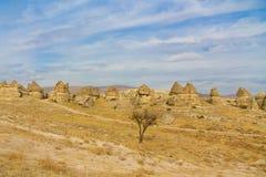Strada di Unparved nei siti della roccia di Cappadocia Fotografie Stock Libere da Diritti